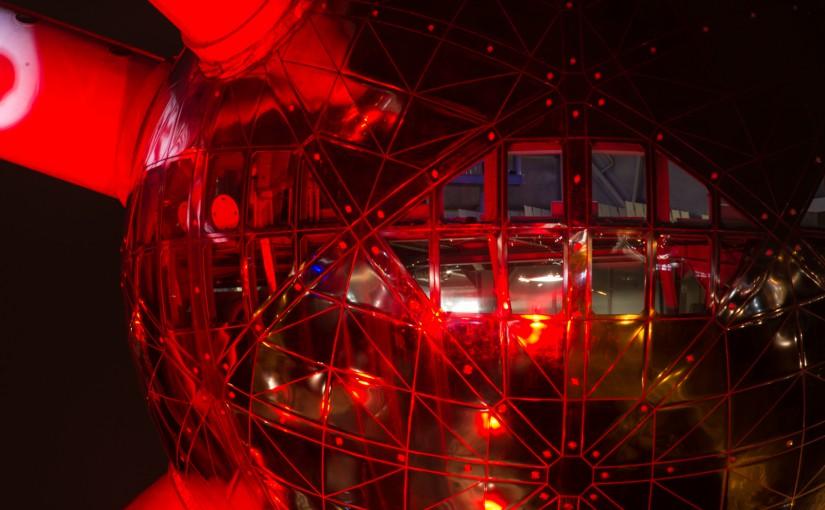 Atomium red
